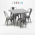 Quadratischer Tisch und industrielle Metallstühle im Tolix-Stil Flushing